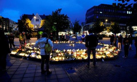Stemningsfull sorg etter de groteske hendelsene på Utøya og i Oslo. Foto: Flemming Hofmann Tveitan