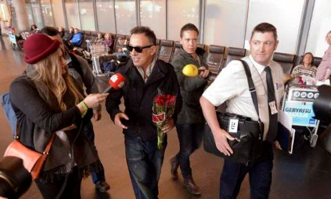Mange fra pressen vil ha en prat med Springsteen.
