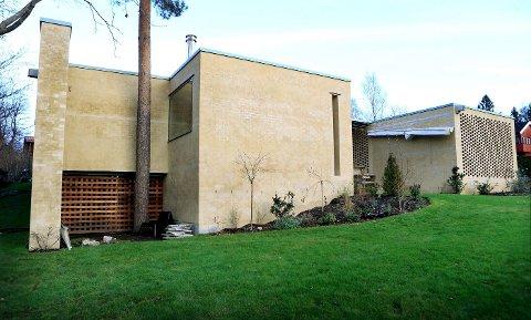 Boligen på Stabekk er bygget i tegl på kjelleren til huset som lå der tidligere. – Det er et meget gjennomtegnet hus med varige kvaliteter, sier juryleder Beate Hølmebakk, som selv foreslo boligen til årets arkitekturpris.
