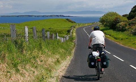 Nord-Irland har mange nasjonale sykkelruter du kan kombinere.