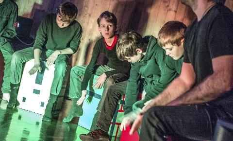 Cajon ballong: Forestillingen «Cajon Ballong» vises i kinosalen lørdag. Barn fra Ås kommune er med. FOTO: CHRISTIAN CLAUSEN