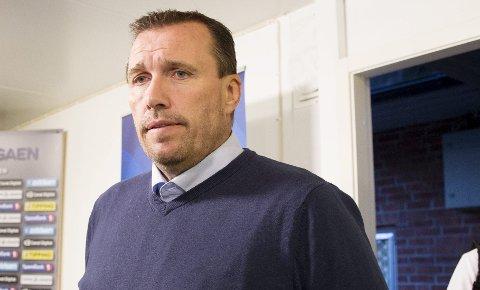 I TENKEBOKSEN: Tom Nordlie besøkte Avaldsnes torsdag. Nå skal han bestemme om Karmøy er neste stoppested i trenerkarrieren.arkivfoto: NTB SCANPIX
