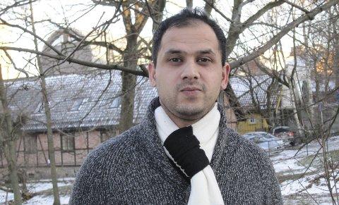 – Jeg har ikke tillit til Arbeiderpartiet, sier Khaqan Khan (uavhengig) som svar på at Moss Ap ikke lenger har tillit til ham.
