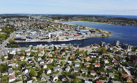 UNDER UTVIKLING: En ny bydel  er i ferd med å vokse fram langs Kanalen på Nøtterøy-siden. Foto: Per Gilding