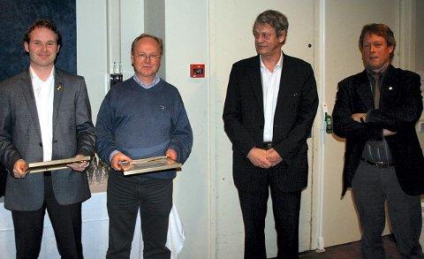 LEDERSTIPEND. Richard Hagel (t.v.), Åskollen FK og Knut Arne Bergstrøm, Strømsgodset IF fikk NFFs honorære lederstipend utdelt av president Sondre Kåfjord. FOTO: PRIVAT