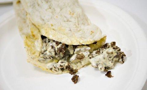 Nellys Kebab i Storgata.  Hvorfor: Blandingsprodukt, kjøttpuddingkonsistens, lite smak i sausen. Pris: 75  Poeng: 10