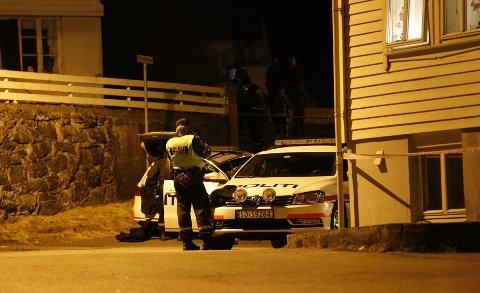 En kvinne døde av skuddskadene hun ble påført i en leilighet på Vea på Karmøy.