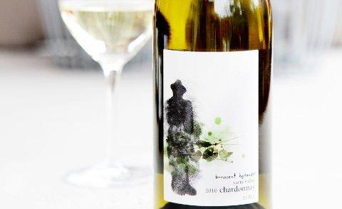 Innocent Bystander Chardonnay 2010 (varenummer 9595701, kr 179,90, bestillingslisten).