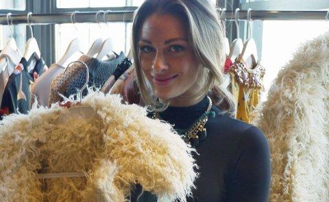 Denne fuskepelsjakken er en av Jenny Skavlans favoritter.