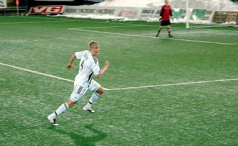 SEIER: Svelvik IF og Morten Fredriksen som hadde en målgivende, startet årets sesong med seier på bortebane. Arkivfoto.