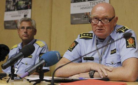 Moingen Johan Fredriksen er stabssjef i politiet i Oslo. Verken han eller noen andre i politiet hadde drømt om at AUFs sommerleir på Utøya var et terrormål. Siden fredag har han frontet politiets informasjonsstrøm til alle verdens medier.