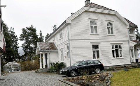 2003: Anne Kvalheim og Tron Magnar Svagård fikk prisen for restaurering av Huvestadsgate 3 i Notodden sentrum.
