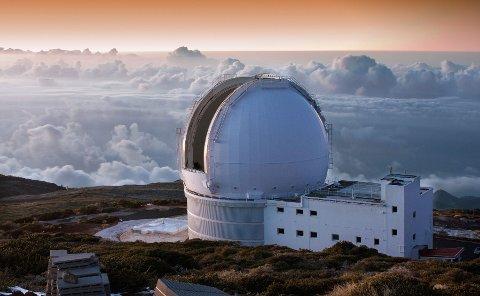 Forskere fra hele verden studerer stjernene fra det astronomiske instituttet på La Palma.