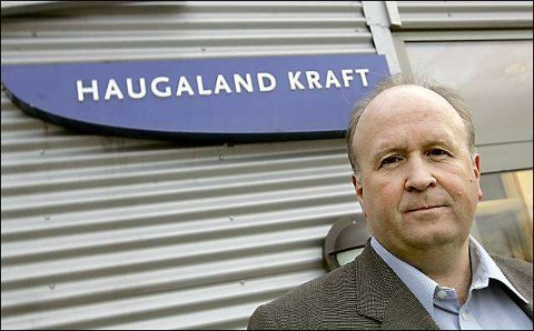 Administrerende direktør Olav Linga fortsetter ryddingen i Haugaland Kraft. Nå er det selskapet bak rullebaneforlengelsen som selges ut med stort tap.