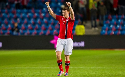 John Arne Riise jubler etter å ha scoret vinnermålet på overtid under VM-kvalifiseringskampen i fotball mellom Norge og Slovenia på Ullevaal stadion tirsdag kveld. Kampen endte 2-1 til Norge.