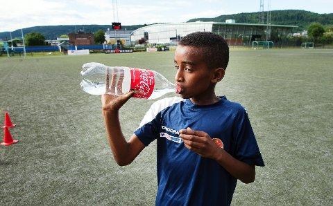 11-åringen fra Fjell spiller fotball så ofte han kan. Sånn har det alltid vært.