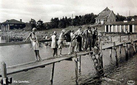 1939 Bading på brygga i Larkollen