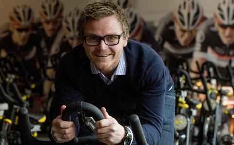 På sykkelsetet: Knut Egeland er arrangør av Fredrikstad Winter Games Triatlon. Sykkeldelen av triatlonen vil gå av stabelen i spinningsalen på Spenst Brygga. foto: Erik hagen