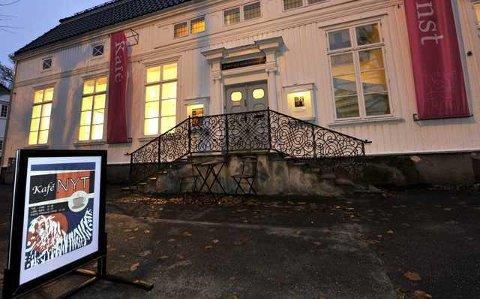 Kafeen holder til i Østfold Kunstnersenter.