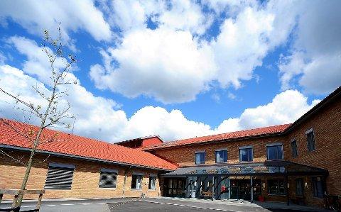 Trenger flere sykehjemsplasser: – Moer sykehjem trenger rett og slett et tilbygg, understreker Aase Weydahl-Ottesen.