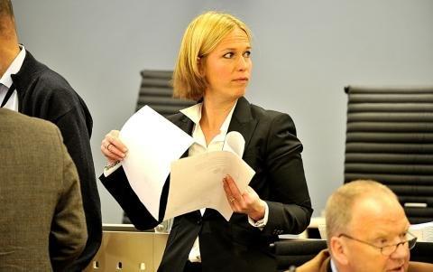 Statsadvokat Inga Beier Engh leste tiltalebeslutningen.