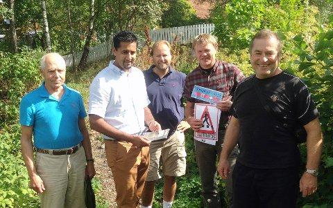 Tor Kaurin, Abid Raja, Nicolay Korneliussen (leder Frogn Venstre) , Jon Weydahl og Øistein Giertsen (leder av Frognmarkas venner) fikk seg en fin tur i Frognmarka søndag.
