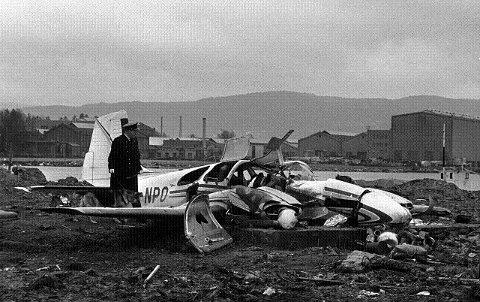 I alt seks mennesker mistet livet da et privatfly styrtet ved Drammen. De fem passasjerene om bord var alle medlemmer av Bernt Sølves orkester, som skulle på spillejobb i Sverige. FOTO: SCANPIX