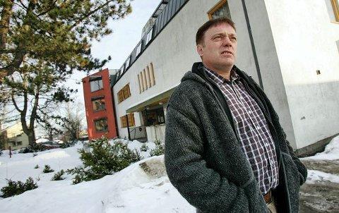 Det er ikke bare ved sykehjem i Oslo at pleiepersonell har overnattet i kjelleren. – Det har skjedd også her ved Melløsparken sykehjem i Moss, sier hovedverneombud Nils Jørgen Kraft i Moss kommune. Men nå er det slutt på ordningen, sier ansatte ved sykehjemmet til Moss Avis.