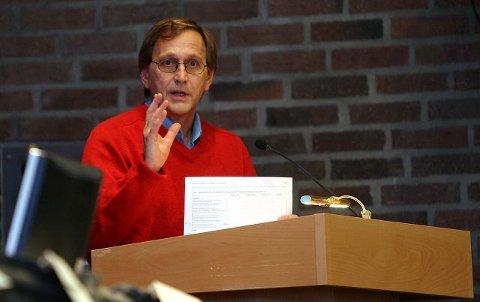 Eirik Tveiten føler seg ikke truffet av kritikken fra Tage Pettersen.