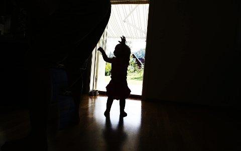 I et hjem nær deg: Mange barn utsettes for vold eller overgrep i sitt eget hjem. Større fokus på vold og overgrep mot barn og bedre samtaleverktøy i barnevernet, gjør at det avdekkes stadig flere saker. Illustrasjonsfoto: Foto: Sara Johannessen / SCANPIX