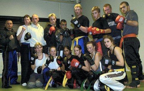 Lite ante Anders Blomberg (til venstre) den gang at Andreas Lødrup skulle bli verdensmester i kickboksing da dette bildet ble tatt for i 2001. Foto: Trond Thorvaldsen