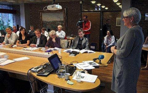 Denne høsten har forslaget om innføring av parlamentarisme kommet i fokus for rådmann Bente Hedum og formannskapet.