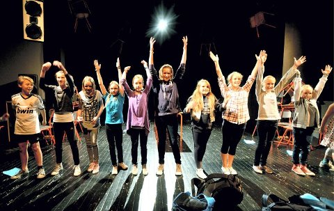 Dyktig gjeng: Fra venstre: Odin Elle Rønning (11), Madeleine Nysveen (12), Ine Marie Ensrud (11), Cathy Grønland (11), Kine Tangen (12), Mia Stundal Stræte (13), Ida Stuan (13), Sina Østerhagen (13), Elise Meyer (12) og Vilde Johnsen (10).Alle foto: Anita Høiby Gotehus