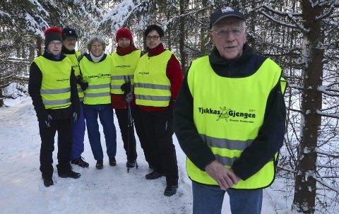 TAKKNEMLIG GJENG: Tjukkasgjengen er glad for den jobben Even Lierstuen gjør. Fra venstre: Annar Kirkeby, Per Steinar og Wenche Prøven,  Frøydis Viddal og Berit Granli.