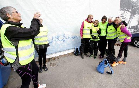Det spørs om de disse damene er like lystige når de kommer frem til Drøbak.
