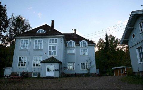 42bef73a Gamle Sætre skole er solgt, etter bare to uker ute på markedet.