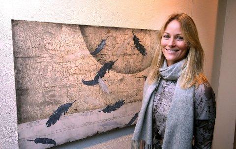 KRONE-VINNER: Cathrine Knudsen solgte til sammen 47.000 kroner. Det dyreste arbeidet som ble solgt, var også hennes maleri «Stille lyd» til 28.000.