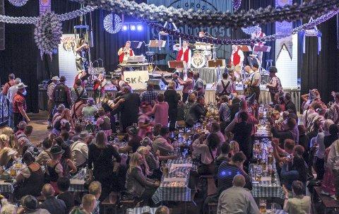 STINN BRAKKE: Mange kom for å være med på Oktoberfest i Maritim Hall i  fjor høst.ArkivFoto: Astrid Gjerde