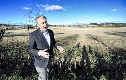 Det blir flere byer i Akershus, men neppe i Follo. Her er det mange jordbruksarealer og konflikter knyttet til kulturvern, mener fylkesordfører Nils Aage Jegstad.