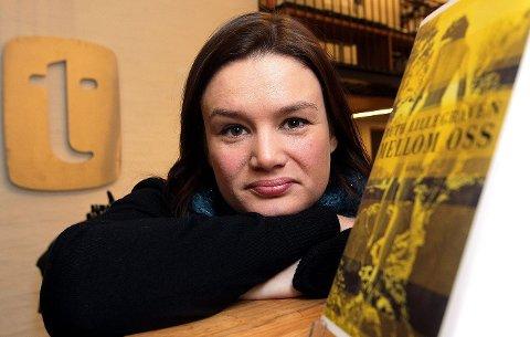 Ruth Lillegraven fra Lommedalen står bak bokbloggernes yndlingsbok i fjor: diktsamlingen «Urd».