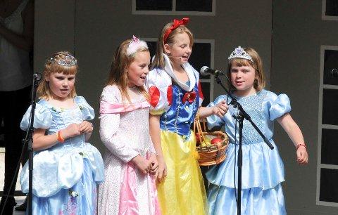 Sylling barneteater imponerte med spennende skuespill, med både kjente karakterer og mye sprell.
