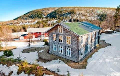 Eidet gård ved Engerneset i Trysil kommune er til salgs for 5,5 millioner kroner.