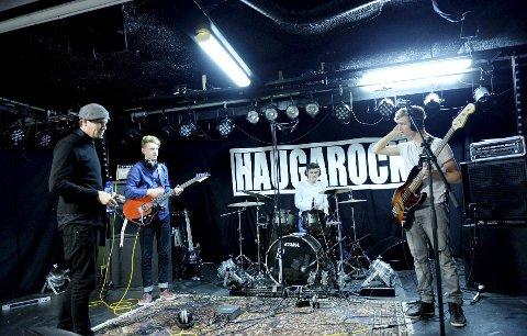 Funkylicious, som består av Ole Kristian Reiten (fra høyre), Emil Stenstad Selen og Ulvar Gansum, får nyttige tips av Kim Ljung.