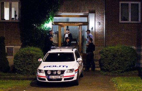 På Bygdøy i Oslo aksjonerte politiet mot den pågrepne 32-åringens bolig rundt midnatt.