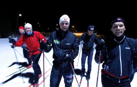Ivrige: Trond Bjerge (fra venstre), Bjørn Svenungsen, Pål André Låhne, Ketil Schjetne og Martin Brunstad er ivrige langrennsløpere. FOTO: TRINE JØDAL