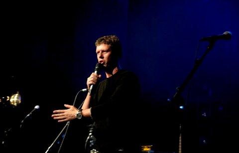 Showman: Selv om han kun var der for å åpne festivalen, skapte Jan Fredrik Karlsen god stemning fra første stund. FOTO: Martine Hoff Jensen