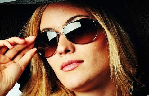 Årets solbrillemote er preget av kontraster og inneholder noe for de fleste.