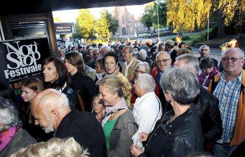 Folksomt: Ifølge arrangøren var over 300 besøkende innom.