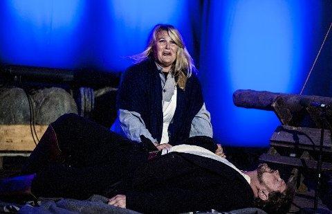 Tragisk: Som det hør og bør i en opera, er det både kjærlighet, drama og sorg i «Bergtatt».