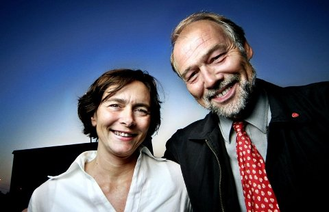 Irene Johansen og Svein Roald Hansens avgjørelse sent i fjor om å ikke stemme for å be regjeringen fjerne passasjertaket på Moss lufthavn Rygge, var ventet å få en effekt på Aps oppslutning i Østfold ved stortingsvalget 2009.
